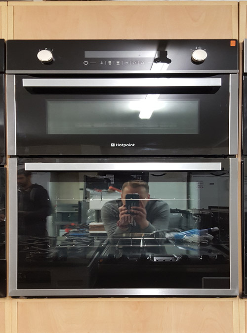"alt=""hotpoint dbz891 double oven full view on display"""